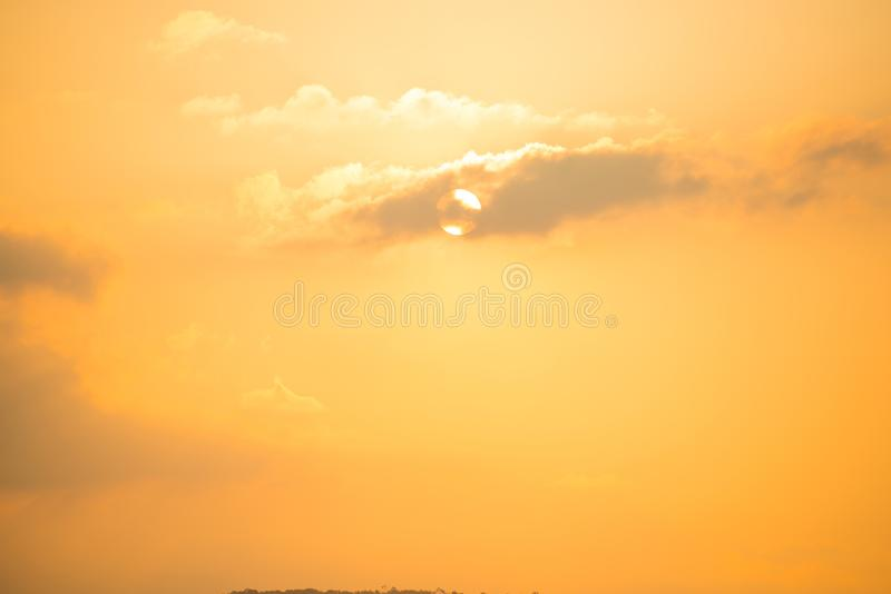 与剧烈的日落的Cloudscape 免版税库存照片