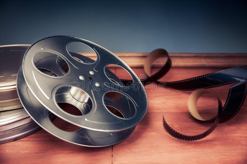 与剧烈的照明设备,电影卷轴的电影摄制场面 免版税图库摄影