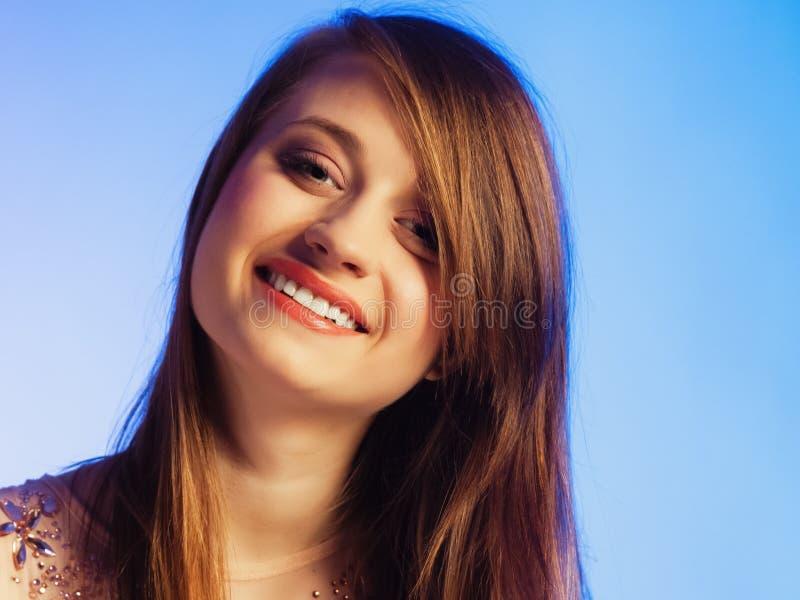 与包括她的眼睛的轰隆的妇女面孔 免版税图库摄影