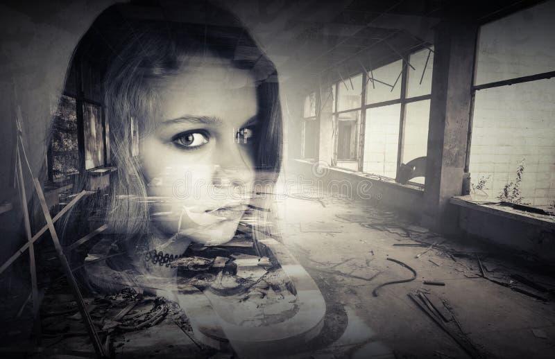 与十几岁的女孩画象的概念性照片 库存图片