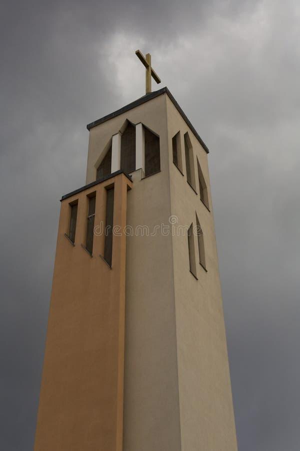 与十字架的高耸在上面 库存图片