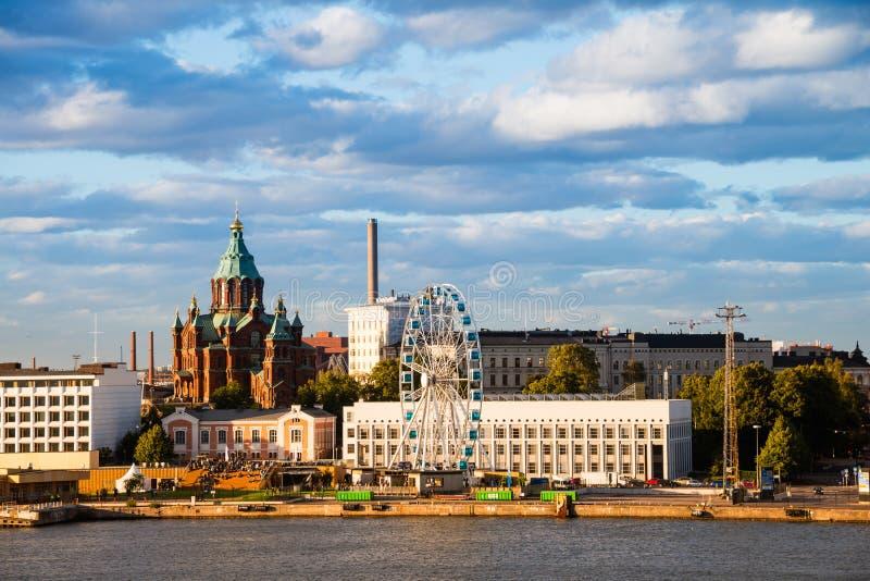 与历史建筑的赫尔辛基,芬兰口岸 库存照片
