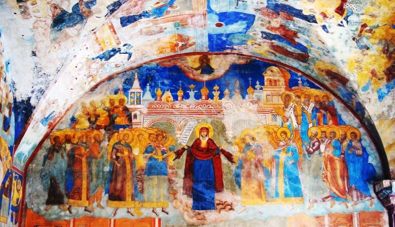 与原始的17世纪壁画的教会内部 皇族释放例证