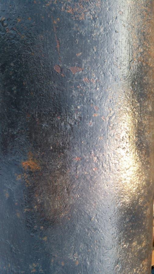 与反射的湿钢 免版税库存图片