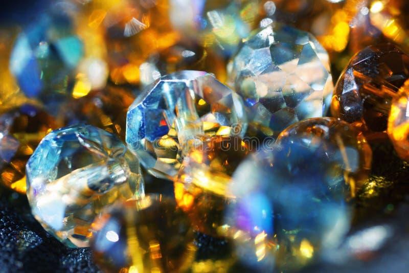 与发光的玻璃珠的抽象背景 免版税图库摄影
