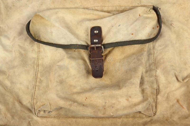 与口袋, Ba的被风化的军事军队卡其色的伪装织品 免版税库存照片