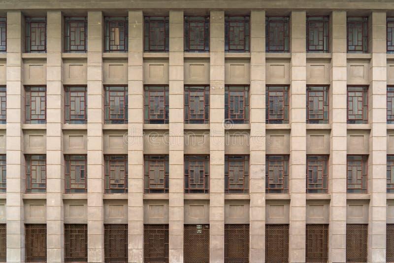 与古老中国窗玻璃的一个大厦 库存图片