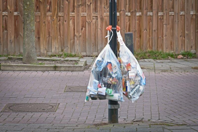 与可再循环的垃圾的大袋子用塑料主要填装了 免版税图库摄影