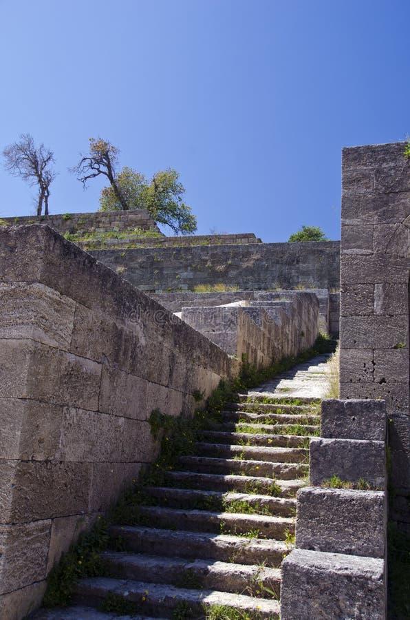 与台阶的上城废墟在罗得岛市,希腊 库存图片