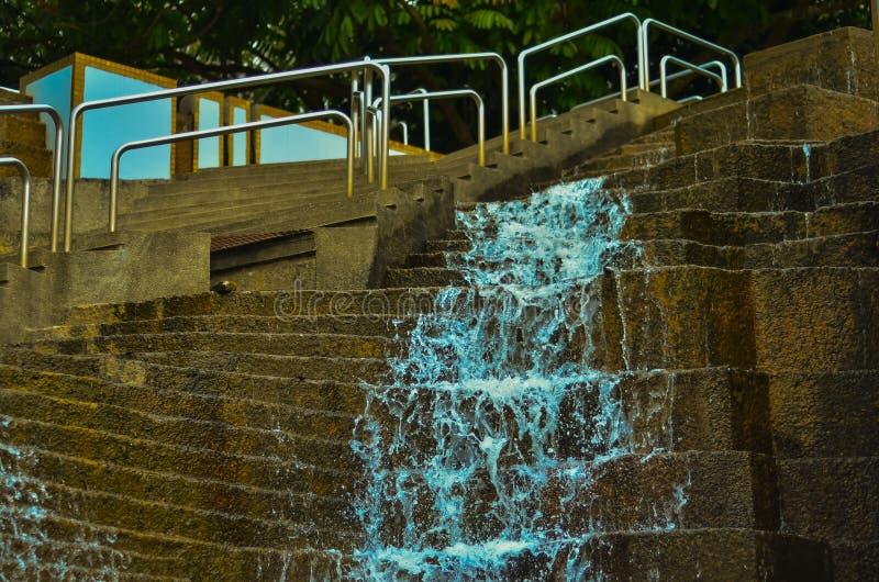 与台阶的瀑布 库存图片