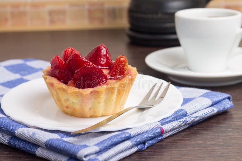 与咖啡的草莓点心 免版税图库摄影