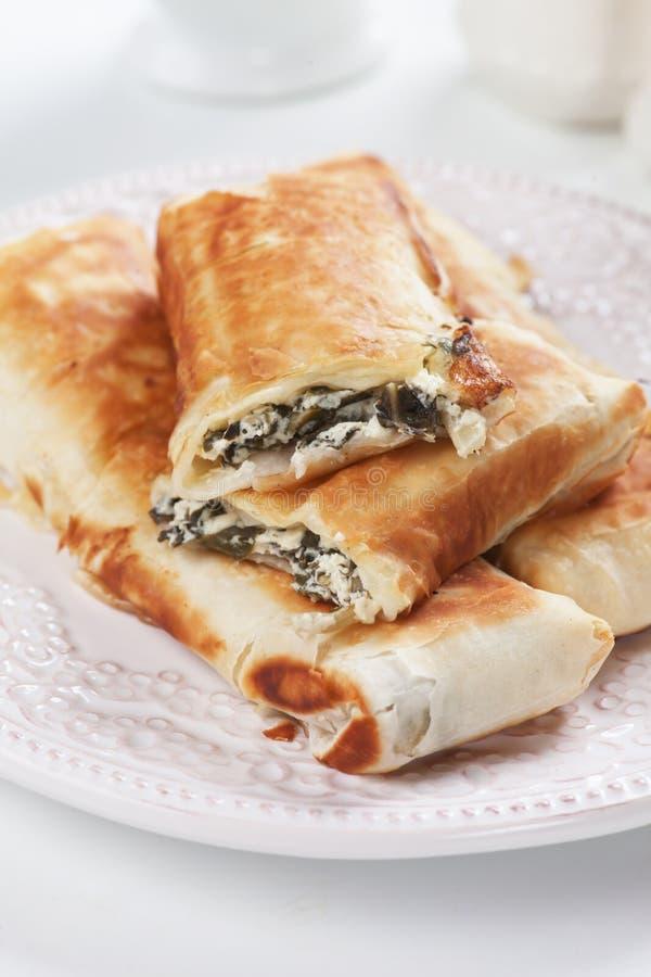 与唐莴苣和乳酪装填的Borek 免版税图库摄影