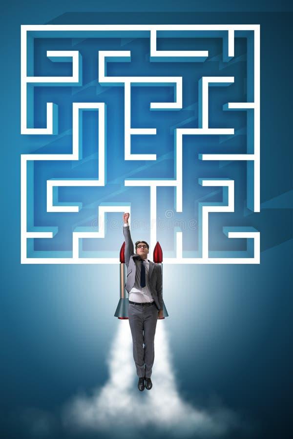 与商人的不确定性概念在迷宫迷宫丢失了 免版税库存照片