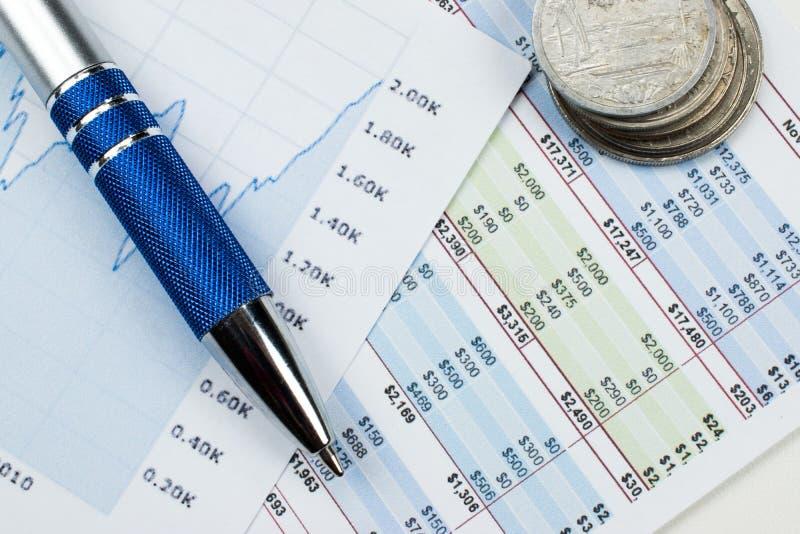 与图和图表的会计概念 免版税库存图片
