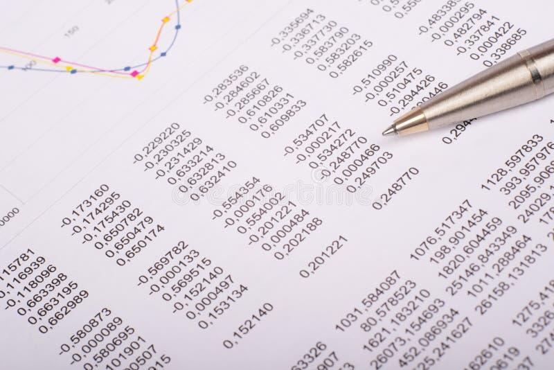 与图表的文件 免版税库存图片