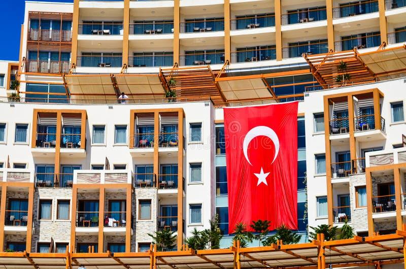 与土耳其的旗子的度假村 免版税库存图片