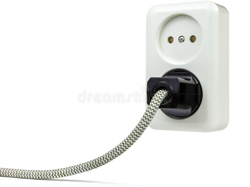与在白色隔绝的电源插头的欧洲壁装电源插座 免版税库存图片