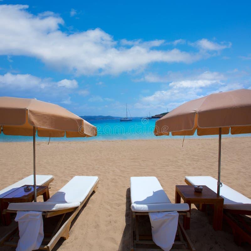与地中海的绿松石的伊维萨岛Cala Bassa海滩 库存图片