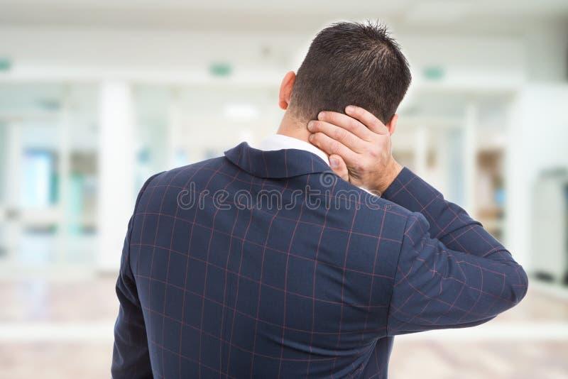 与地产商的后面脖子医疗课题概念 库存图片