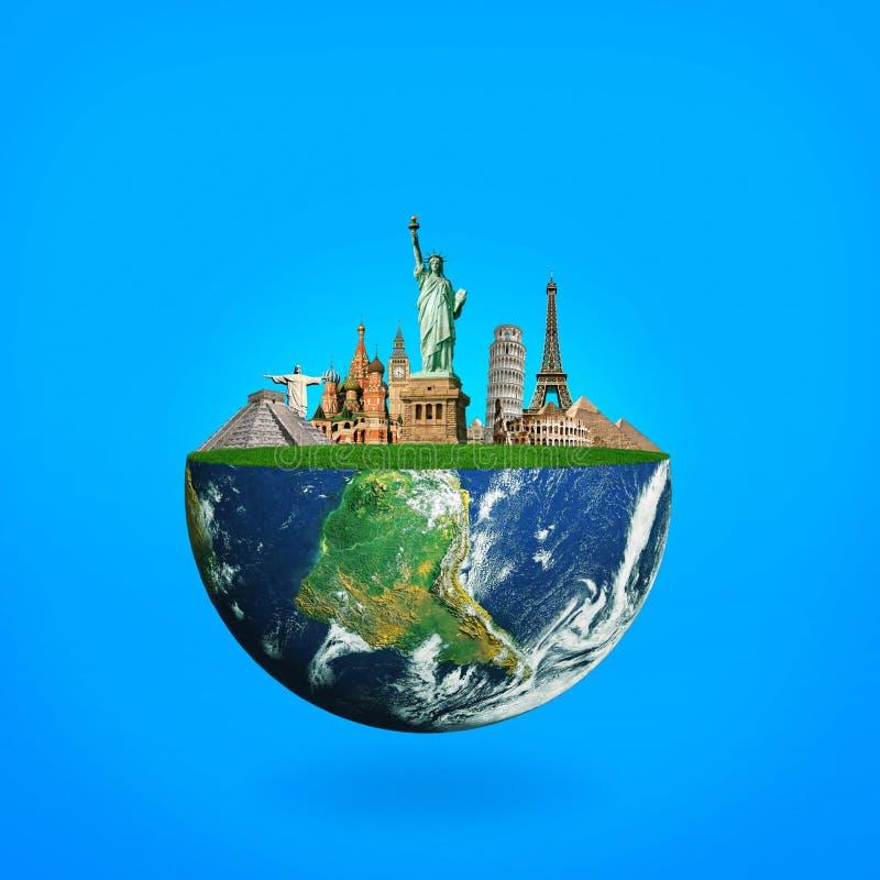 与地标的蓝色行星地球 旅行的概念 库存图片