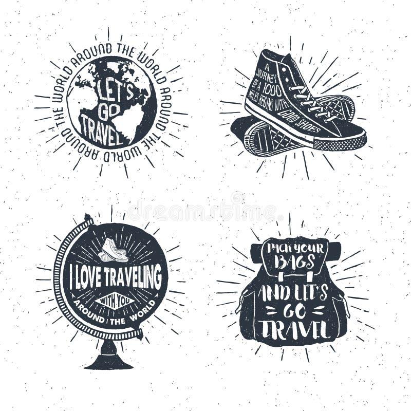 与地球,运动鞋,背包的手拉的旅行的标号组