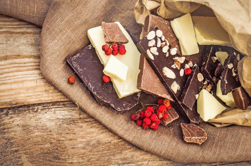 与坚果和果子的Hocolate混合 图库摄影