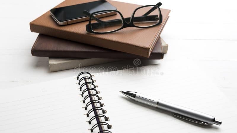 与堆的笔记薄书 免版税库存照片