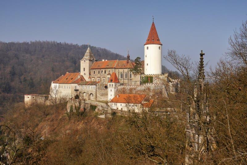 与塔的浪漫城堡 免版税库存图片
