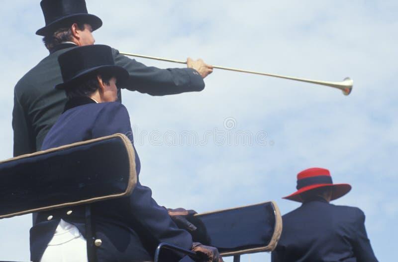 与多虫的车手的仪式在美国人Cafï ¿ ½格兰披治,霍华德社区学院,哥伦比亚,马里兰期间 库存图片