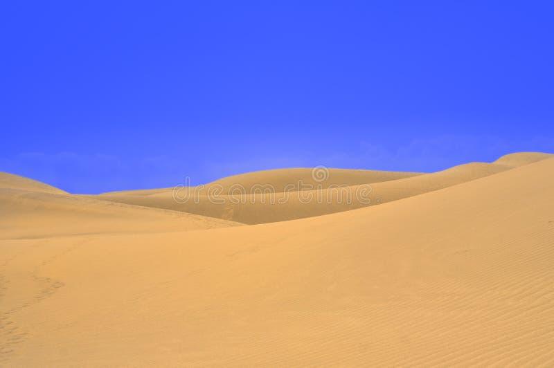 Download 与大加那利岛, Canarian海岛沙丘的美好的风景 库存照片. 图片 包括有 黄色, 背包, 横向, 浪费 - 62538120