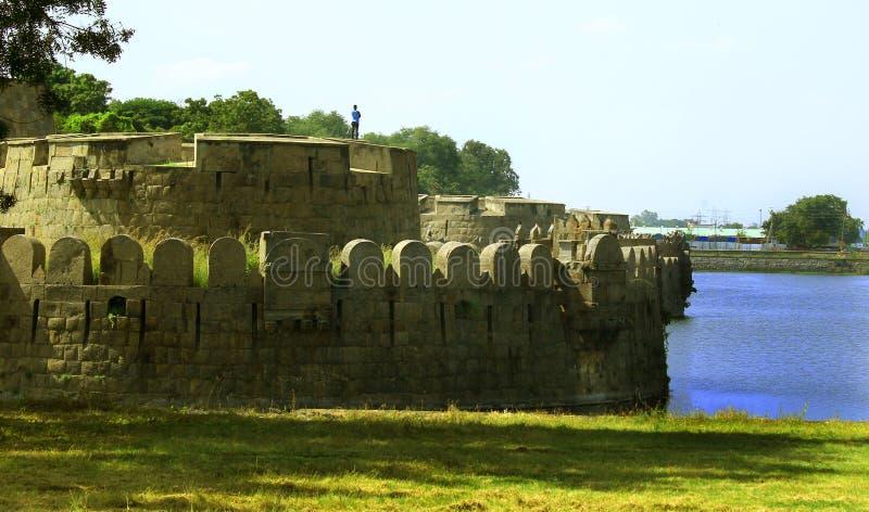 与大沟槽的堡垒城垛 免版税库存照片