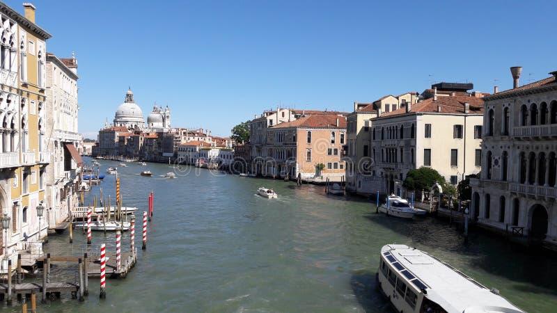 与天空蔚蓝的威尼斯风景 免版税库存图片
