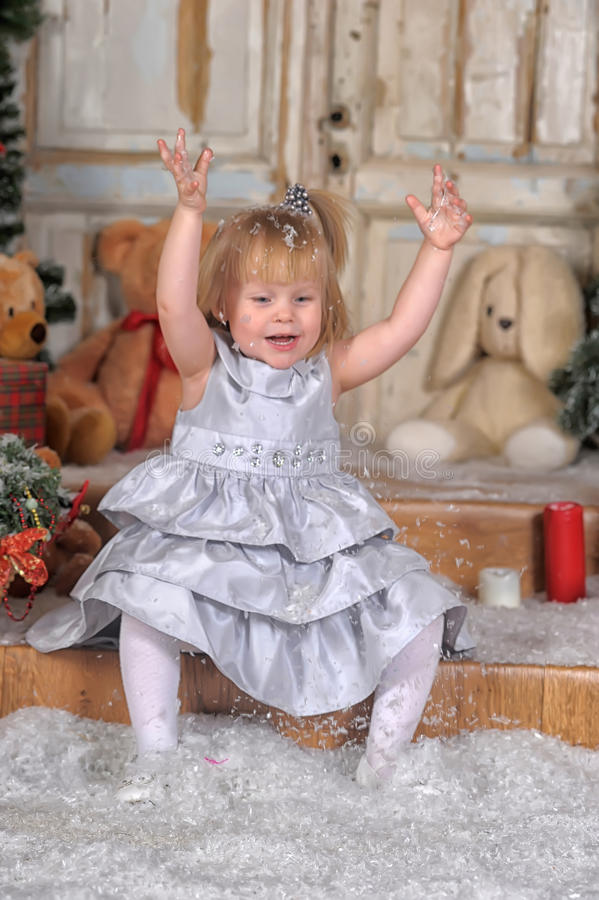 与女孩的圣诞节传说 免版税库存照片