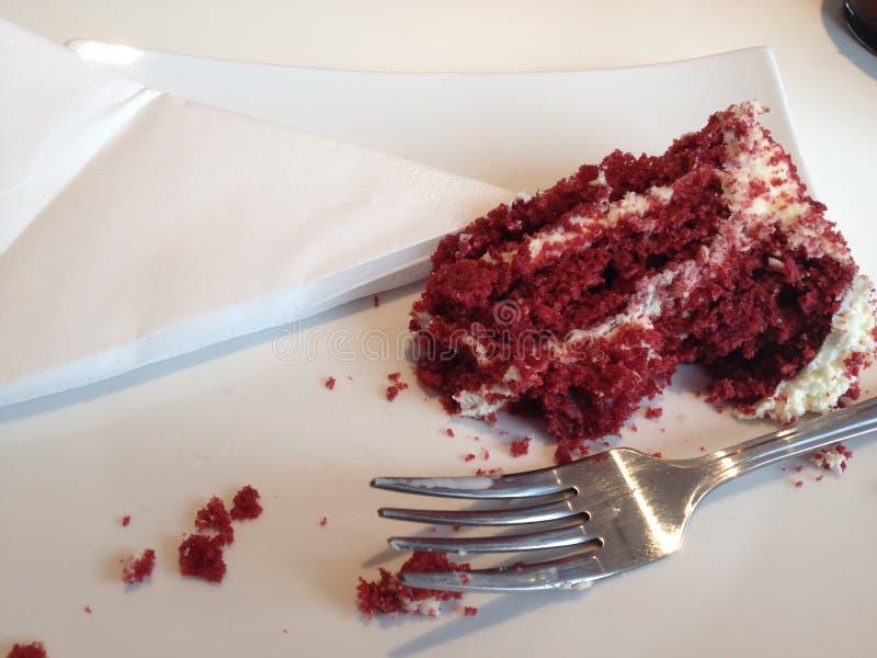 与奶油的红色天鹅绒蛋糕 图库摄影