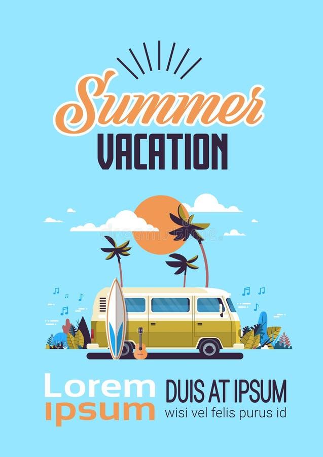 与字法模板的暑假海浪公共汽车日落热带海滩减速火箭的冲浪的葡萄酒贺卡垂直 皇族释放例证