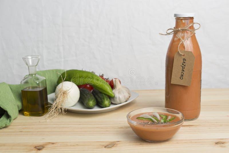 Download 与它的成份的安达卢西亚的gazpacho 库存图片. 图片 包括有 打赌的人, 饮食, 水平, 蔬菜, 大蒜 - 72370323