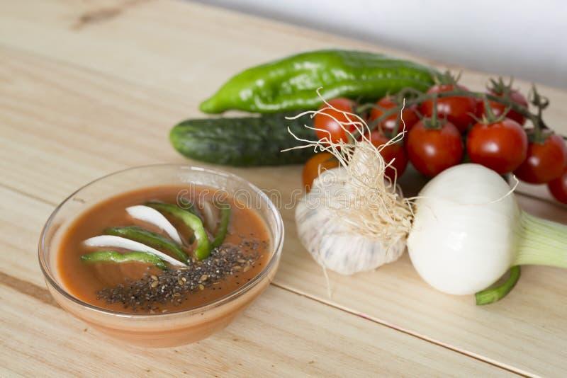Download 与它的成份的安达卢西亚的gazpacho 库存图片. 图片 包括有 打赌的人, 饮食, 胡椒, 蔬菜, 黄瓜 - 72370365