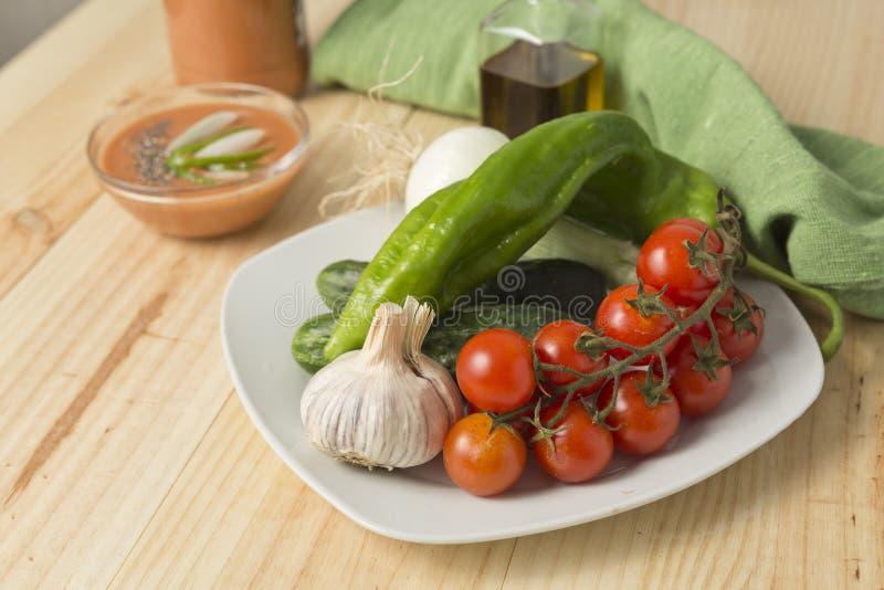 Download 与它的成份的安达卢西亚的gazpacho 库存图片. 图片 包括有 营养, 黄瓜, 打赌的人, 夏天, 水平 - 72370593
