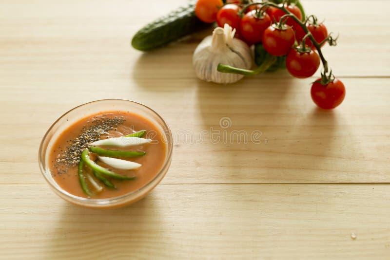 Download 与它的成份的安达卢西亚的gazpacho 库存照片. 图片 包括有 素食主义者, 蕃茄, 大蒜, 食物, 营养 - 72370598