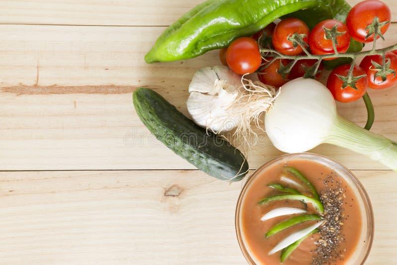 Download 与它的成份的安达卢西亚的gazpacho 库存图片. 图片 包括有 蔬菜, 蕃茄, gazpacho, 素食主义者 - 72370609