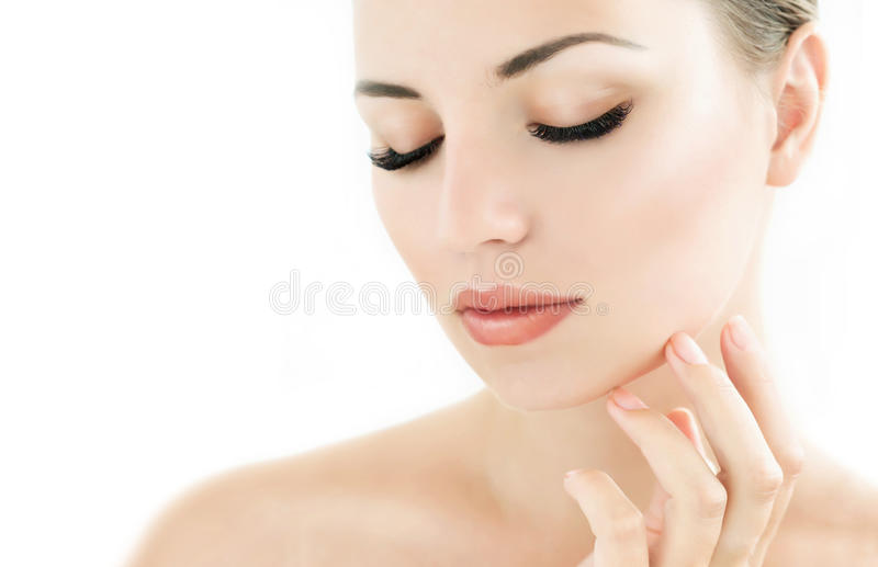 与完善的新鲜的皮肤和长的睫毛的秀丽模型 库存图片
