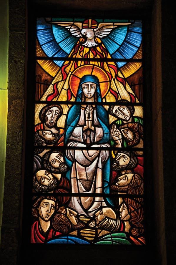 与宗教题材的五颜六色的彩色玻璃 免版税图库摄影