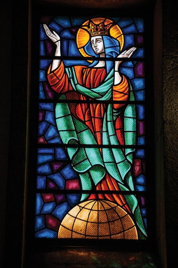 与宗教题材的五颜六色的彩色玻璃 库存图片