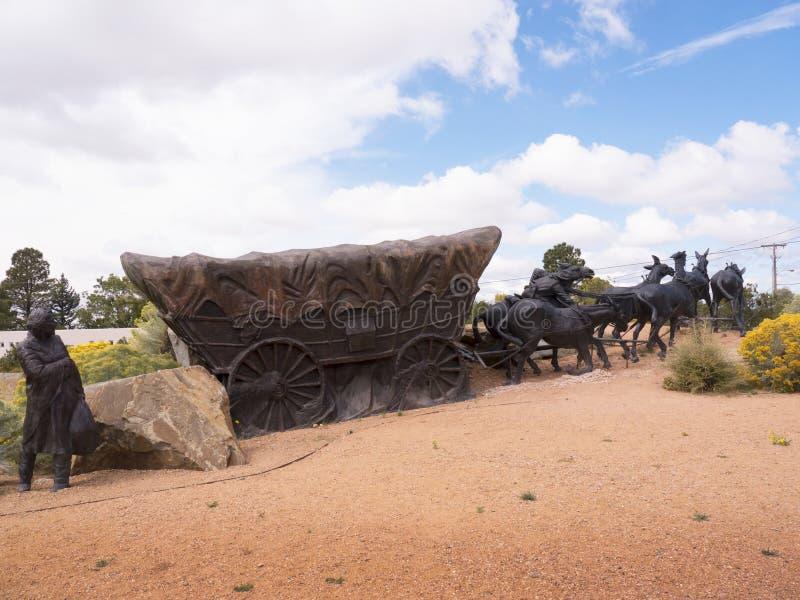 与实物大小一样的雕塑在圣菲车辆纵列足迹结束时在美国 图库摄影
