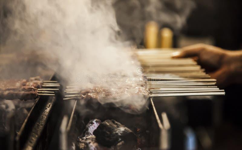 与小串的烤肉 免版税库存图片