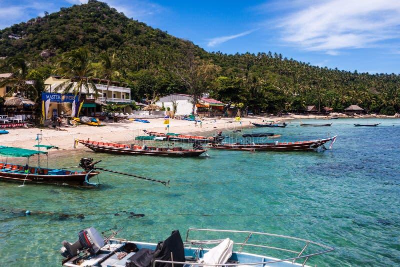 与小船的岸在Ko陶 免版税图库摄影