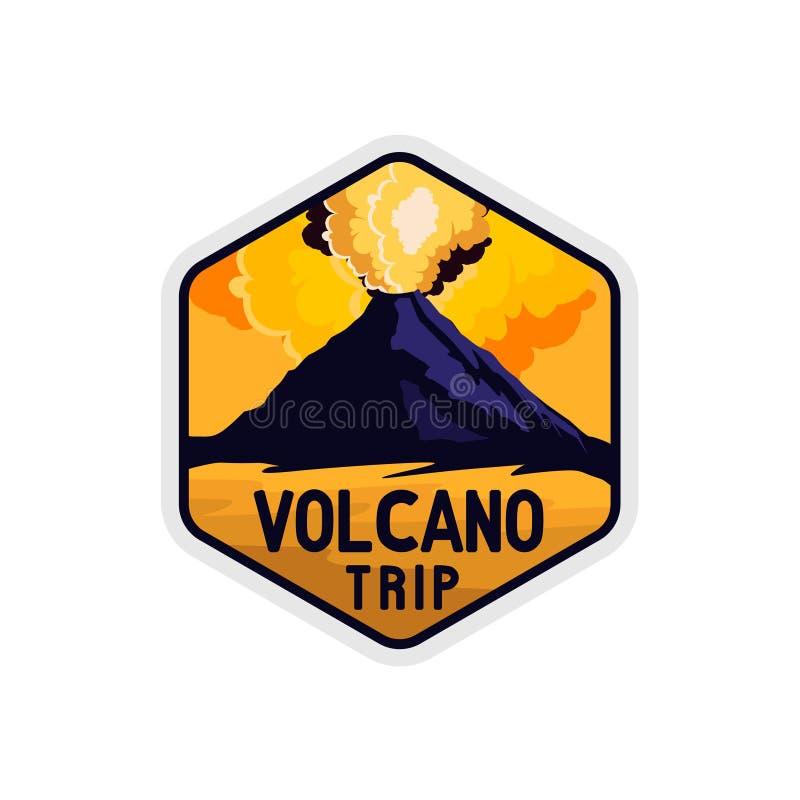 与岩石火山爆炸形状和烟的火山黄色天空徽章  库存例证