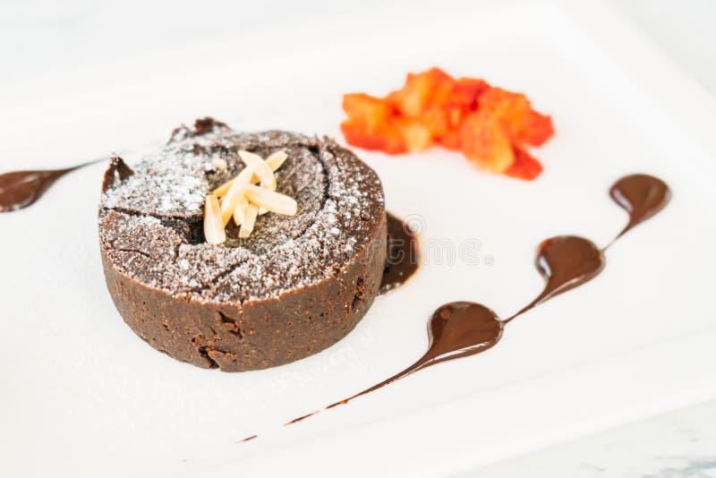 与巧克力熔岩蛋糕和冰淇凌的甜点心 免版税库存图片