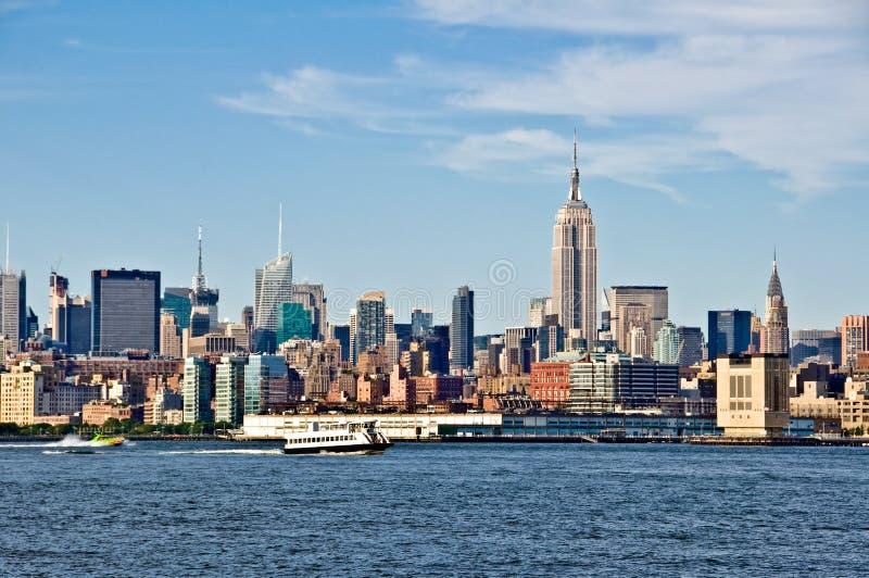 与帝国大厦的纽约地平线 免版税库存图片