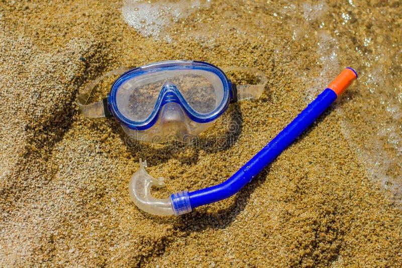 与废气管的潜水面具 图库摄影